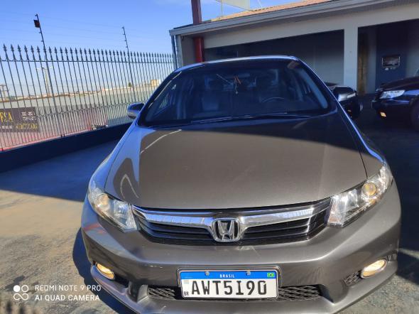 Foto Civic Sedan LXR 2.0 Flexone 16V Aut. 4p